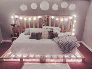 Beau lit en palette