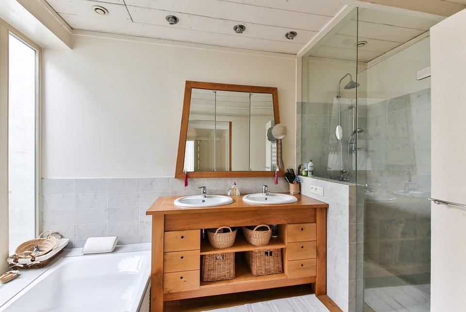 refaire sa salle de bain moindre frais les meilleures astuces. Black Bedroom Furniture Sets. Home Design Ideas