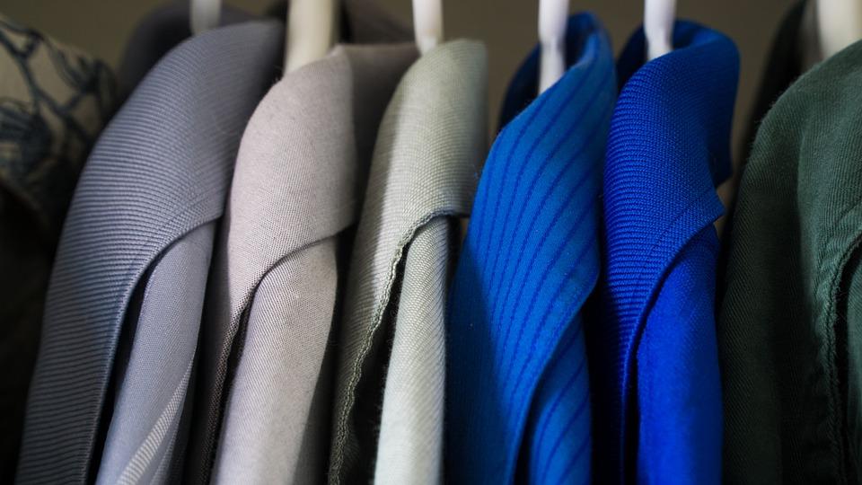 Mites vêtements : suivez la piste pour les détecter et les déloger