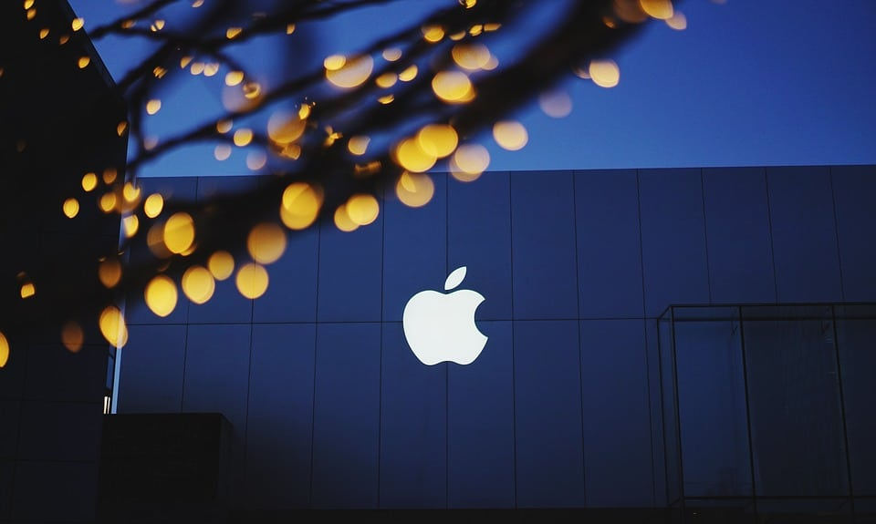 Vie privée : guerre entre Apple et Facebook