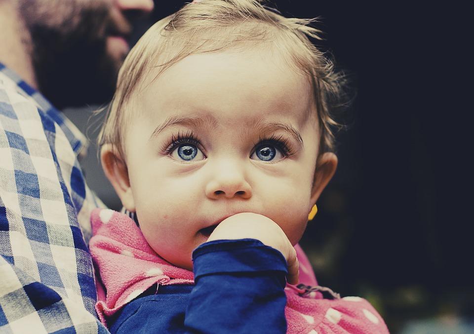 Alimentation bébé 12 mois : ce qu'il faut savoir