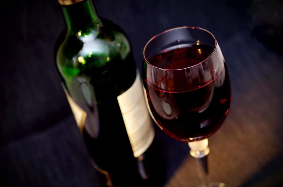 Calorie vin rouge: tout savoir pour prendre ses précautions