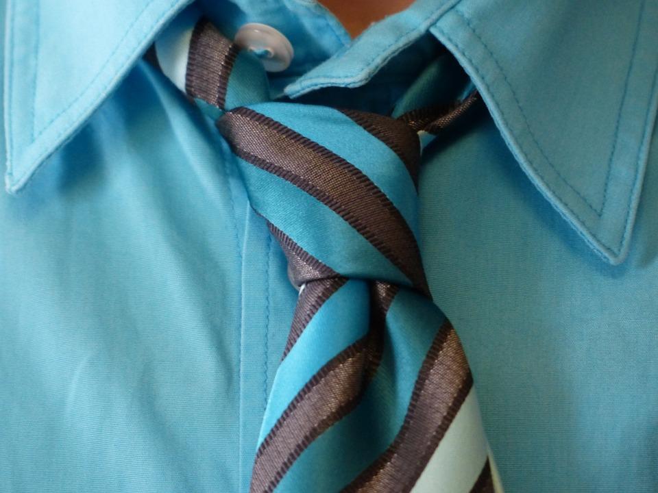 Comment faire un nœud de cravate?