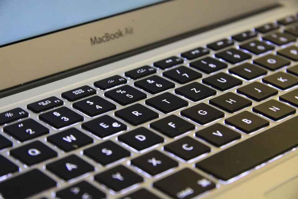 Apple : changer la batterie de son MacBook Air devient plus facile