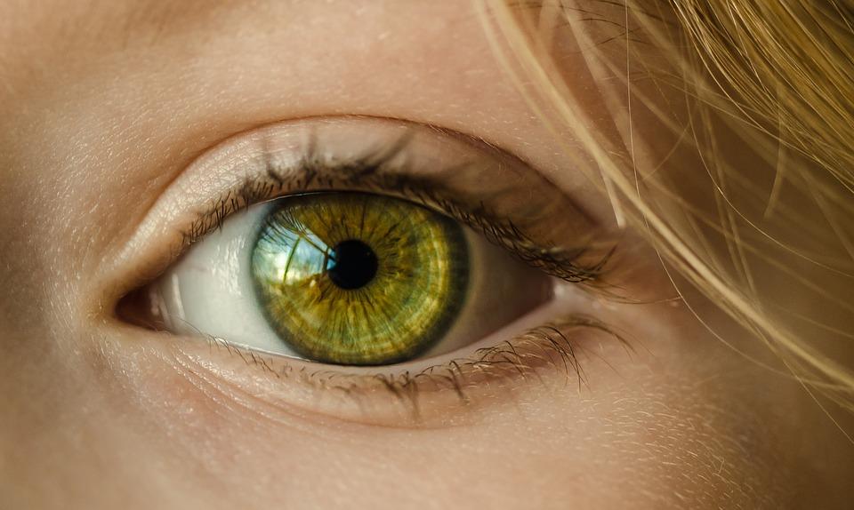 Blanc des yeux jaune : que faut-il savoir?