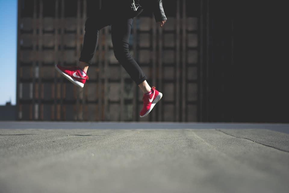 Mal aux jambes : causes et traitements