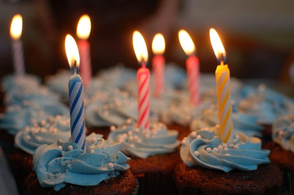 Remerciement anniversaire : bien choisir sa façon de remercier ses proches