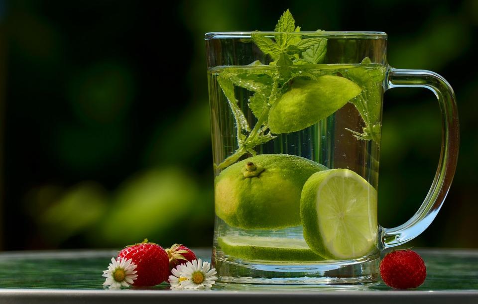 Recette eau detox : la nouvelle boisson tendance