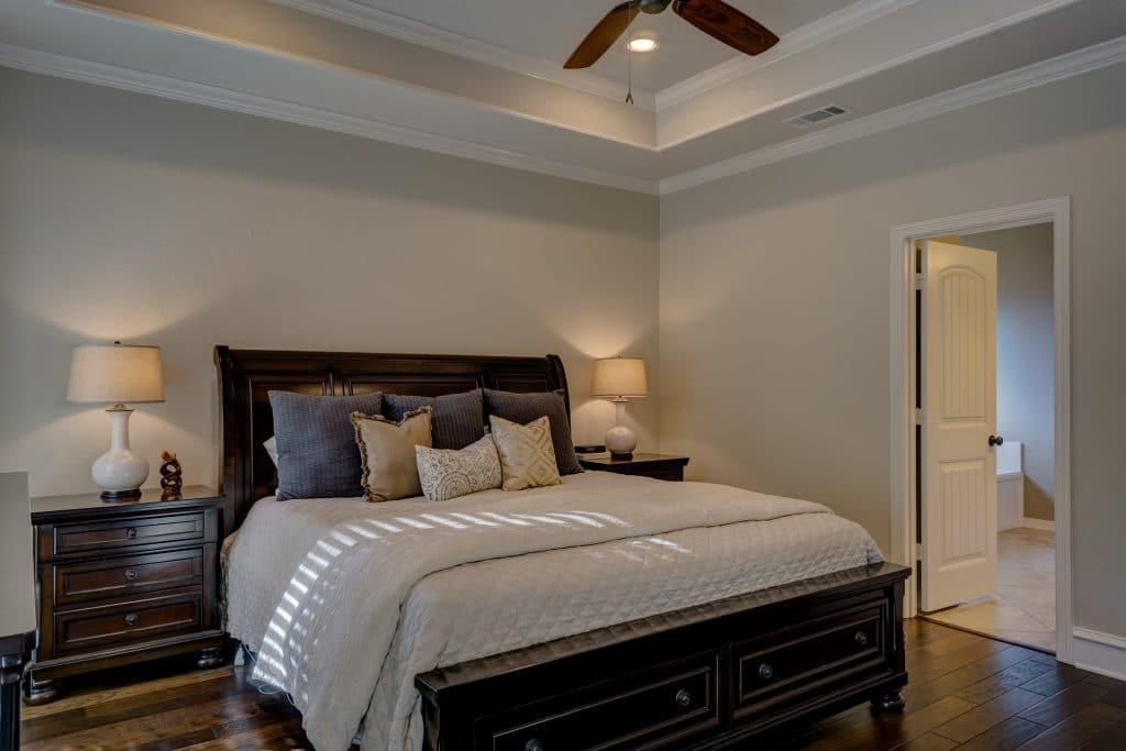 Tête de lit en bois : comment la fabriquer ?