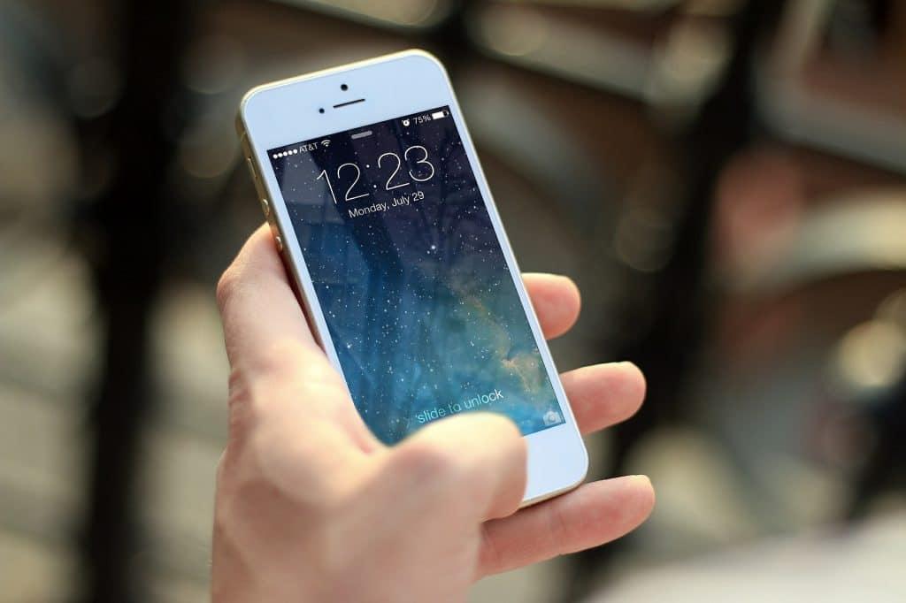 Apple: comment utiliser Siri iPhone X?