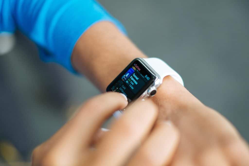 Apple fait don de 1000 montres