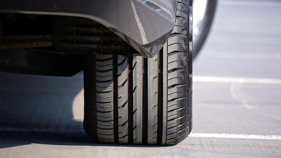 Indice de vitesse pneu : que faut-il retenir ?