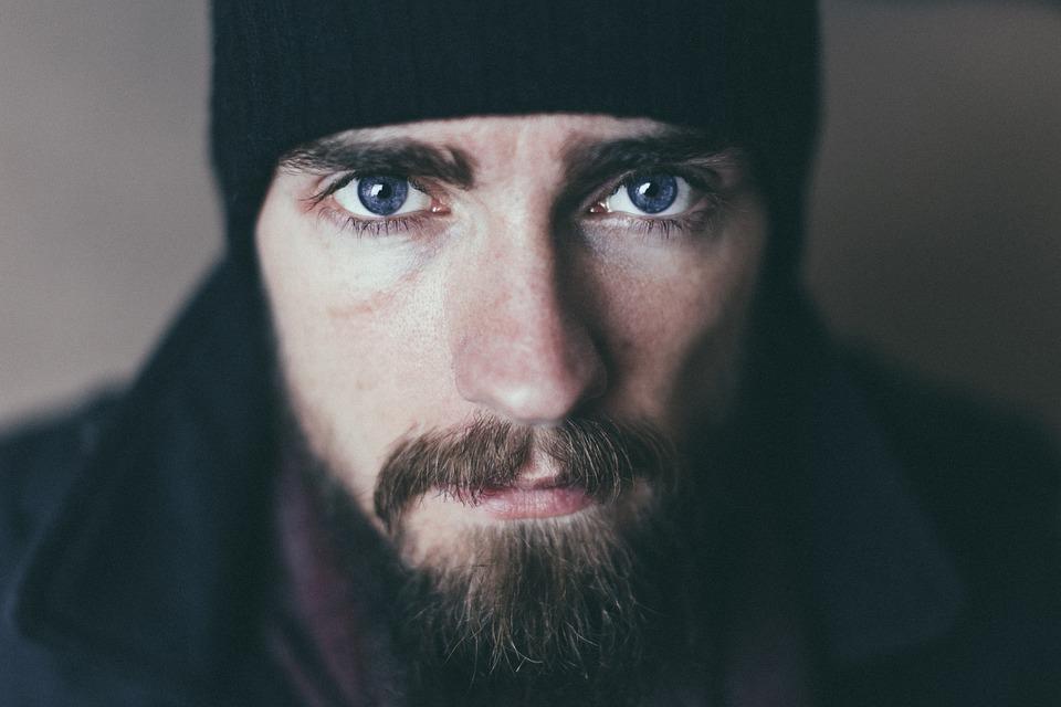 Huile de ricin barbe : comment peut-on faire pousser sa barbe naturellement ?