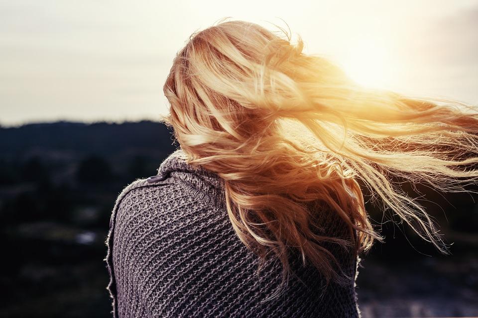 Comment faire pousser les cheveuxrapidement et naturellement ?
