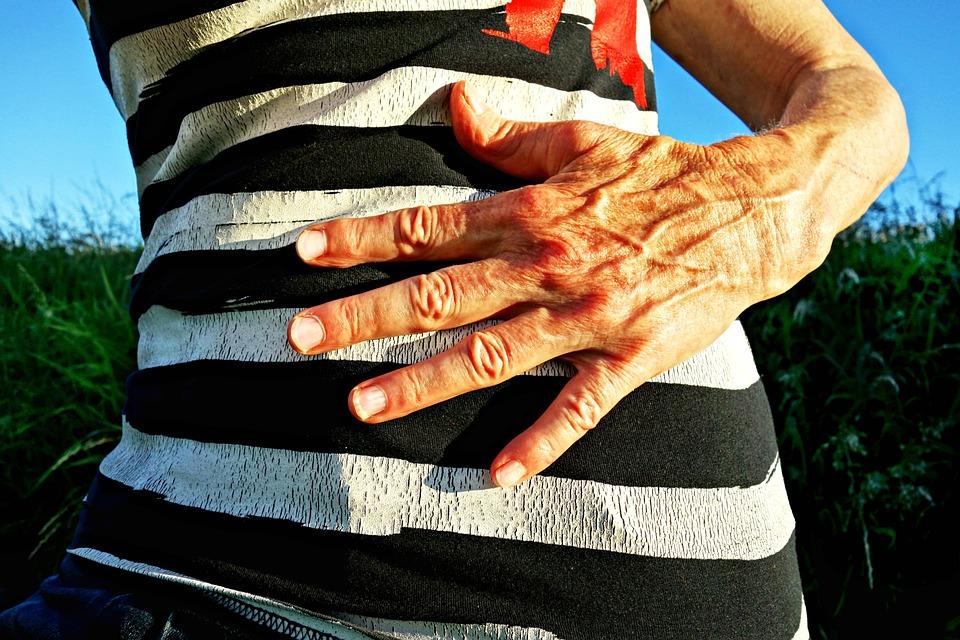 Douleur estomac et dos: peut-il s'agir d'un ulcère?