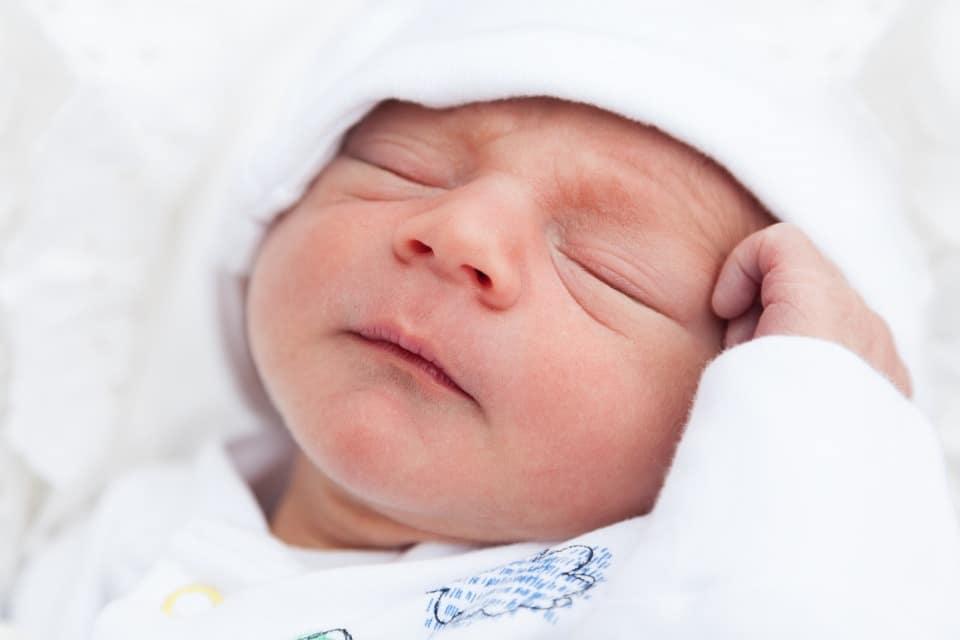 Gastro bébé : comment soulager son nouveau-né ?