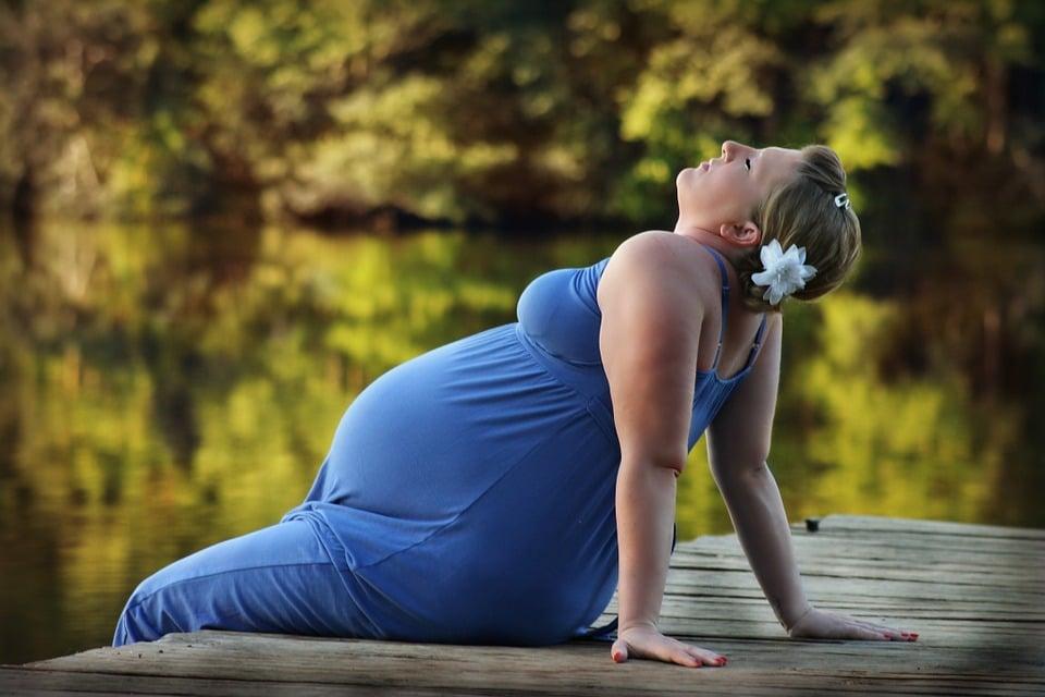 Remontée acide grossesse : comprendre pour mieux traiter