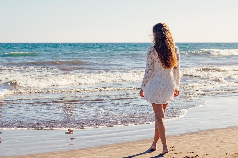 Œdème jambe : causes et traitement