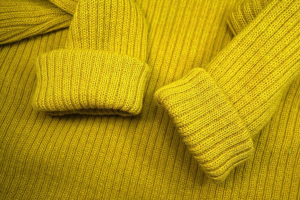Pull jaune