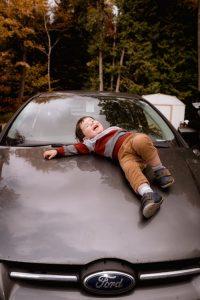 conduire avec enfant arriere voiture